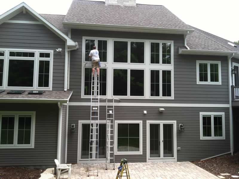 We will go to great heights to make your windows look brand new!